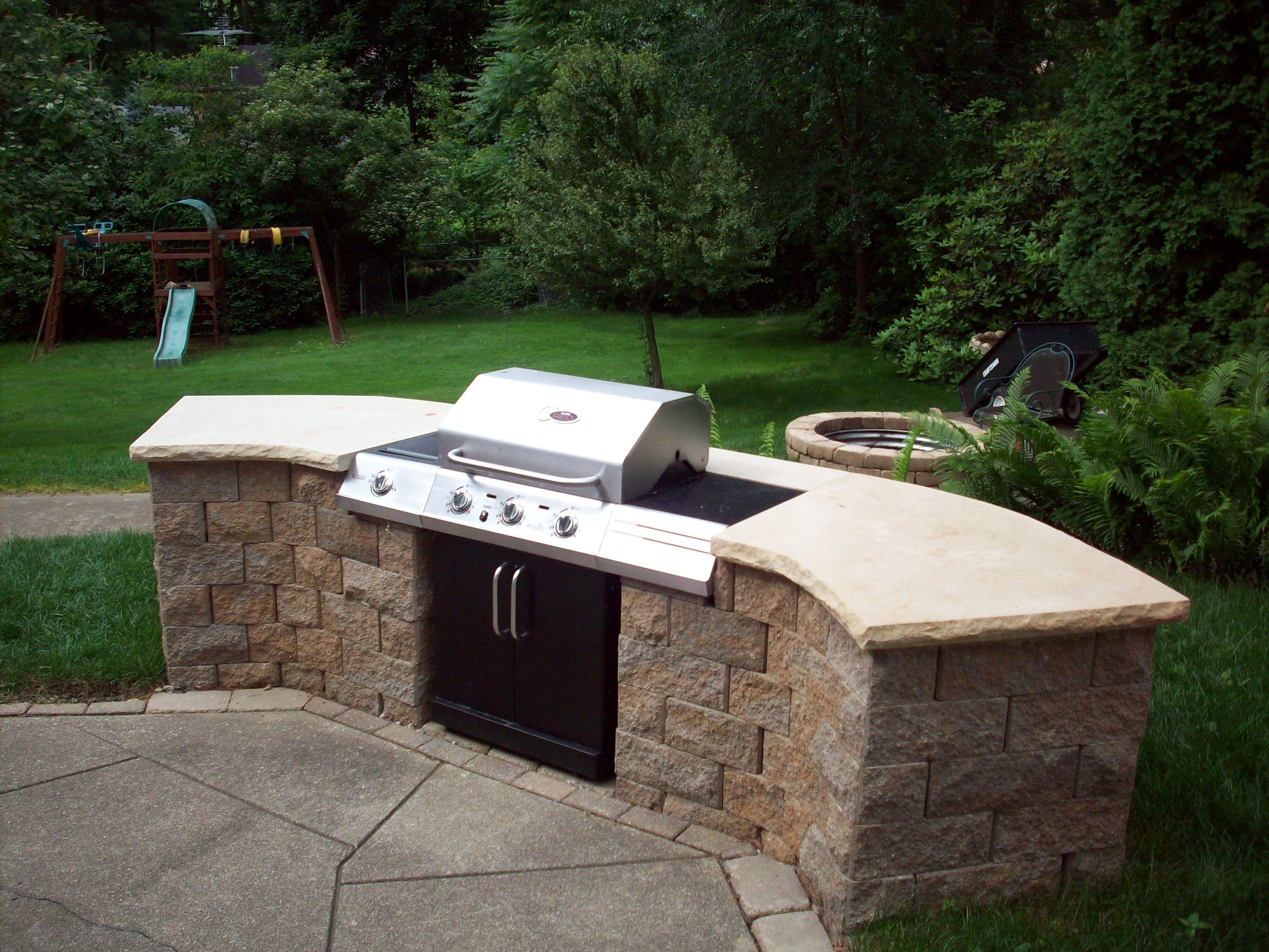 custom built in barbecue modern home exteriors. Black Bedroom Furniture Sets. Home Design Ideas
